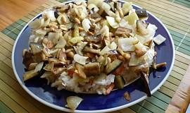 Lilek s arašídy a sezamem