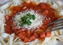 Špagety s párkovým potěšením