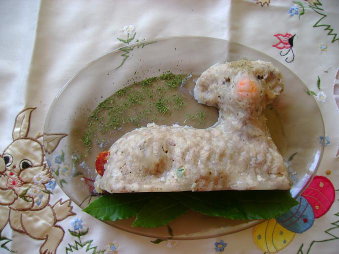 Velikonoční sulc - dle receptu, ustydly ve forme na beranka... :o)