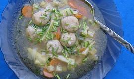 Zeleninová polévka s knedlíčky