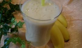Banánový osvěžující koktejl