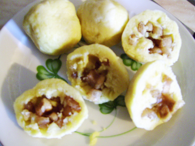 bramborové knedlíky plněné škvarkama!