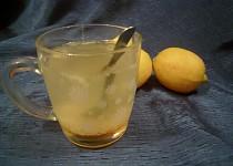 Heiße Lemonade (horké pití z Rakouzska proti nachlazení)