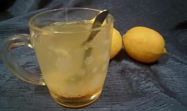 Heiße Lemonade (horké pití z Rakouska proti nachlazení)
