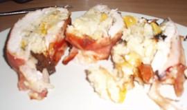 Kuřecí roláda s kuskusem, ananasem a broskvemi