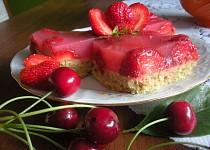Piškot s jahodovým želé