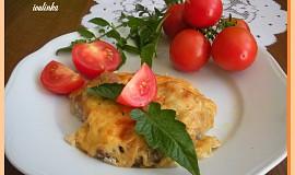 Kotlety na šlehačce s cibulí a plátkovým sýrem