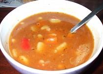 Gulášovo fazolová polévka