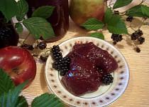 Marmeláda z jablek a ostružin
