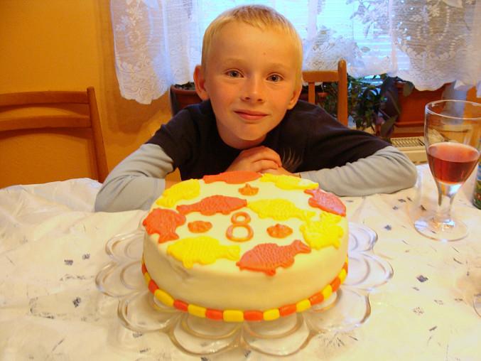 Oslavenec s dortem