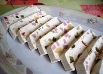 Sýrová pochoutka pro obložené mísy