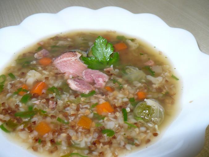 Uzená polévka s pohankou a kroupami