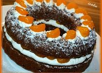 Kakaový věnec se šlehačkou a mandarinkami