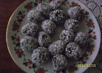 Kokosové kuličky, jsou první snězené dětmi