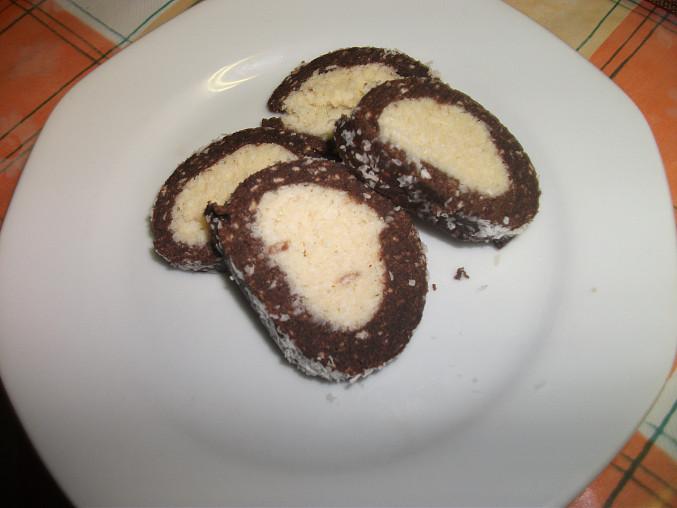 Nepečená kokosová roládka, roláda