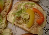 Obložené chlebíčky s tresčími játry