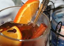 Horký jablečný nápoj