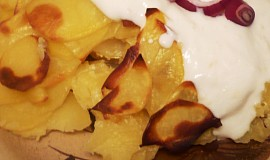 Smetanové brambory s jogurtovým přelivem