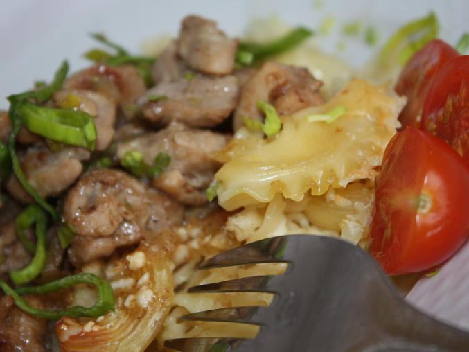 Sýrové špagety s masem