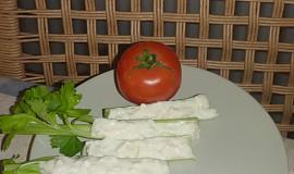 Řapíkatý celer s pomazánkou