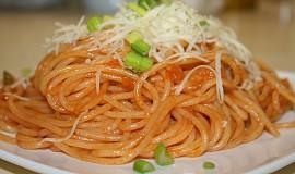 Špagety v rajčatové omáčce