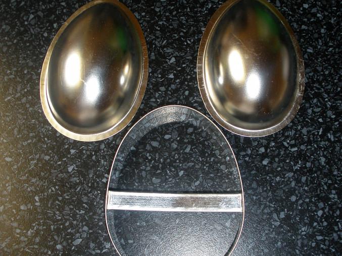 Perníková dutá vajíčka i s překvapením, formičky na vajíčka