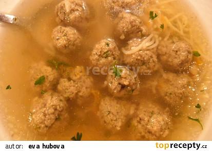 Polévka z kostí s játrovo-sójovými knedlíčky