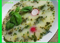 Třídruhová polévka s bazalkou a kuskusem