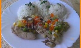 Kuřecí stehna na hořčici a zelenině v parním hrnci