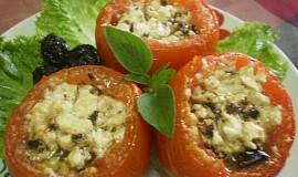 Pečená plněná rajčata fetou a olivami