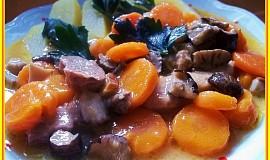 Krkovička s mrkví a houbami