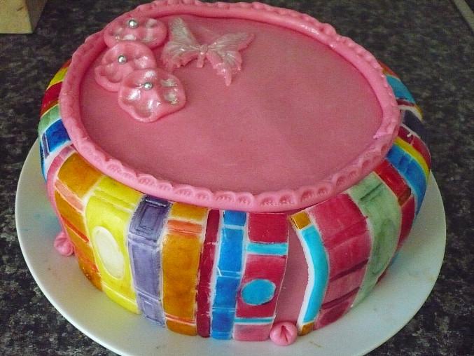 zatím můj nejškardší výtvor. měl to být knižní dort...