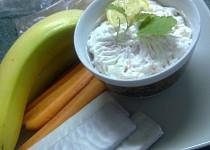 Banánová   pomazánka  ze sýru Cottage s mrkví a křenem