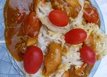 Letní kuřecí osvěžení s rýžovými nudlemi