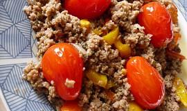 Mleté maso na paprikách a cherry  rajčátkách