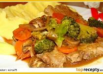 Plátky krkovice se zeleninou