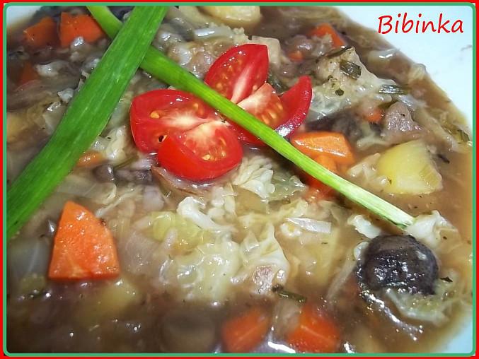 Hlávková polévka s houbami