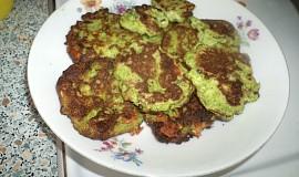 Křehké brokolicové placky