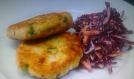 Pikantní rybí karbanátky se salátem z červeného zelí od Zdeňka Pohlreicha