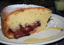 Švestkový koláč s vaječným koňakem