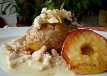 Tymiánové kuřecí nudličky v pečené bramboře