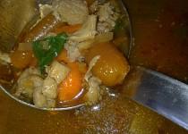 Dršťková polévka  - dnes s baby mrkvičkou, kousky masa a  rajčátkama