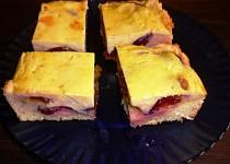 Dvakrát tvarohový švestkový koláč