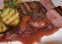 Jelení steak se švestkovou omáčkou