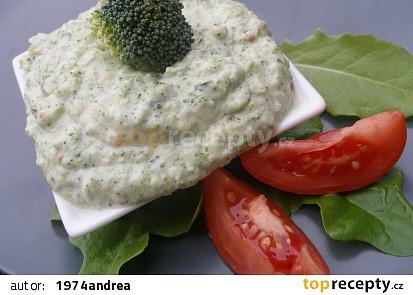 Brokolicový dip z košťálu