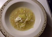 Česnečka s cibulí alá Lucie