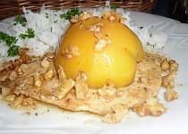 Kuřecí prsíčka na másle s broskvemi