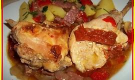 Lovecká králičí stehna s estragonem a sušenými rajčaty v oleji