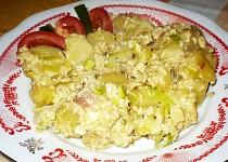Uvařené brambory s nivou