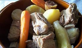 Hovězí vařené se zeleninou (pot-au-feu)